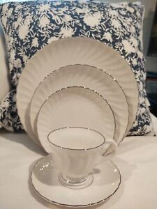 Syracuse Fine China Silhouette Shape Wedding Ring Platinum Trim for 6 Plus...