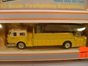 MODEL-POWER-HO-AERIAL-TOWER-LADDER-BUCKET-FIRE-TRUCK-YELLOW-W-1-2-WHITE-CAB-MIB