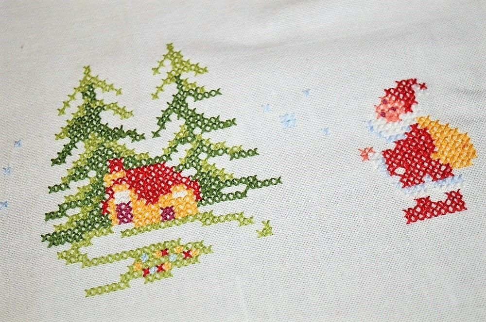 SANTA WATCHES OVER SLEEPY VILLAGE IN WOODS  VINTAGE GERMAN CHRISTMAS TABLECLOTH