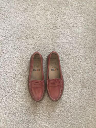 Bed Stu Red Leather Loafers, Size 6