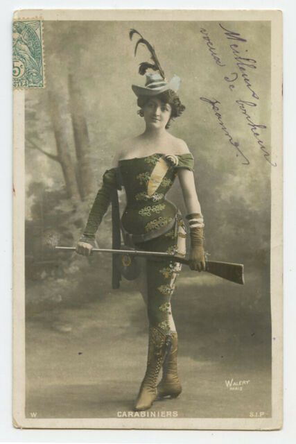 c 1904 French RIsque DANGEROUS LADY w/ GUN Rifle Undivided back photo postcard
