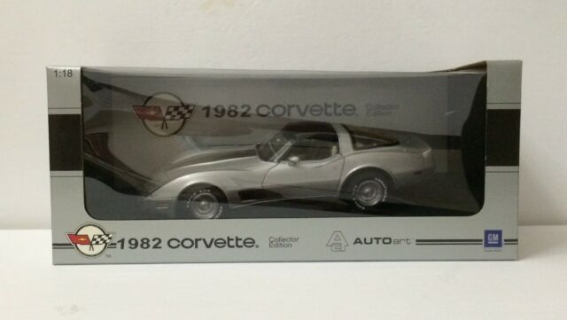 Autoart 1:18 Chevrolet Corvette 1982 collector edition