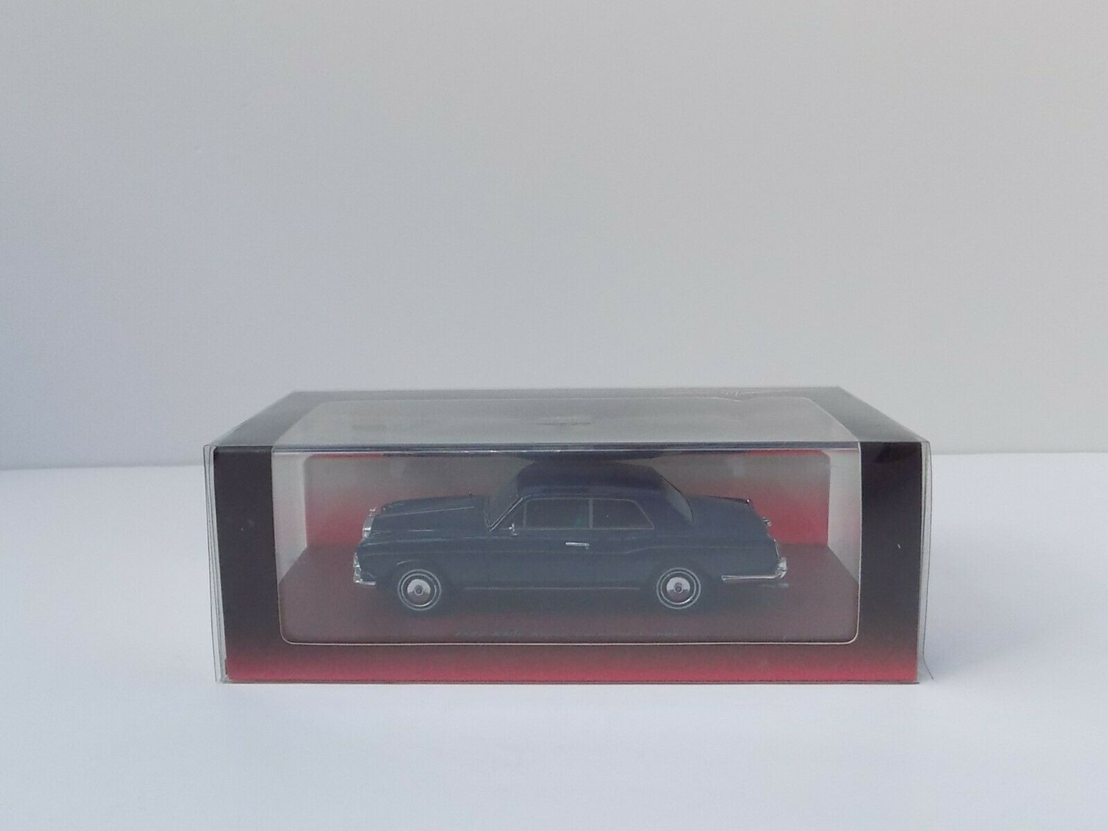 TRUE SCALE MINIATURES 1972 Rolls Royce Corniche coupé bleu Comme neuf boxed 1 43