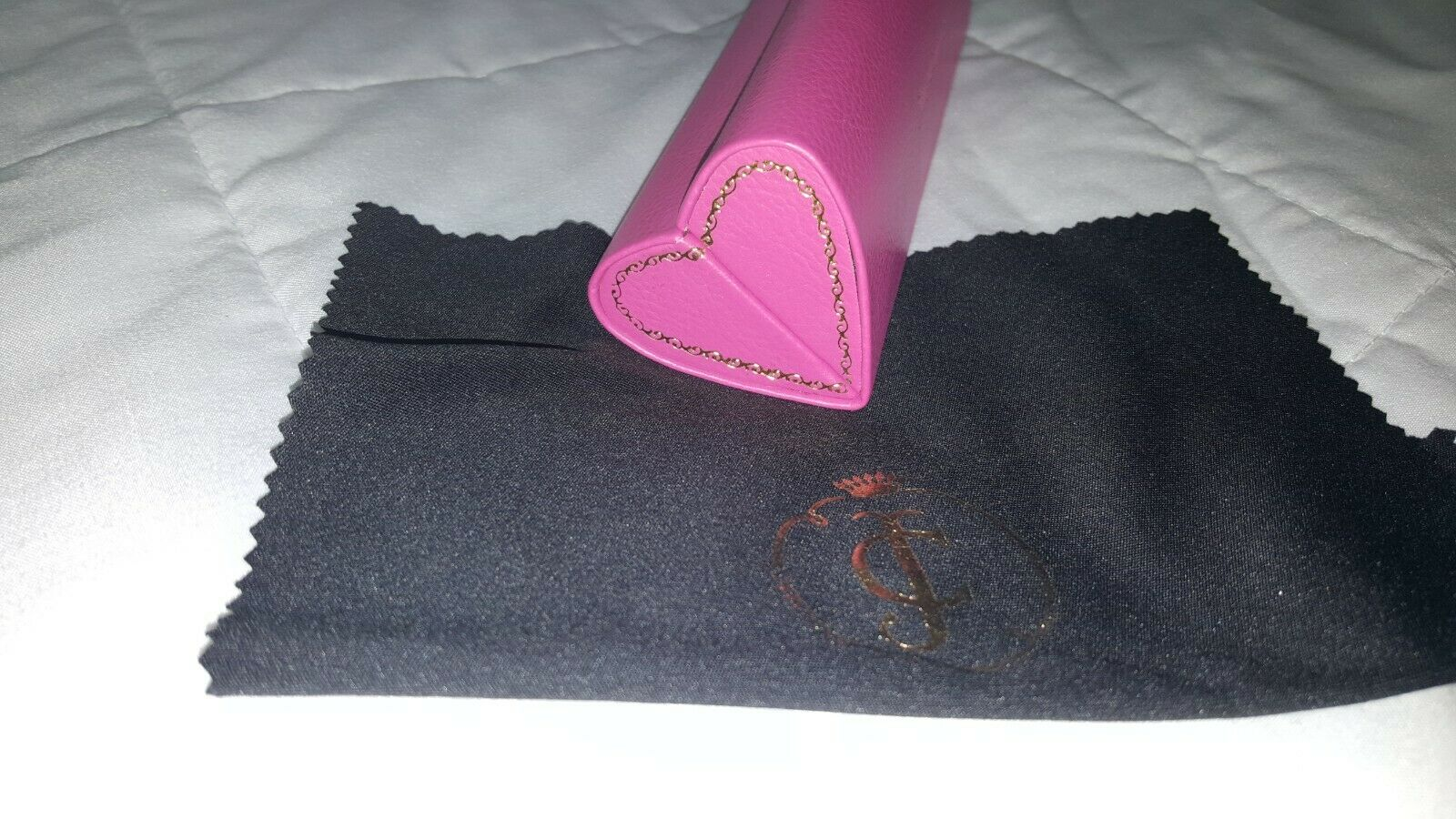 Juicy Couture pink heart shape eyeglass case great for petite or kid size frames