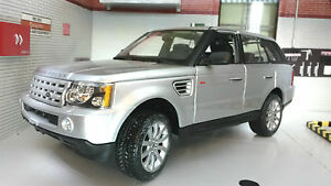 Range-Rover-Sport-TDV6-V6-LR3-Argent-detaille-Modele-moule-1-18-Maisto-Pays