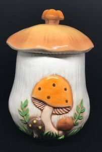 Very-Large-Vintage-Mushroom-Canister-Cookie-Jar-over-10-034-tall-with-lid-Merry