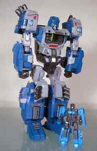 fansproject-WB-002-Steel-Core-CHUG-Cybertron-Henkei-Prime-RID-United-Warbot