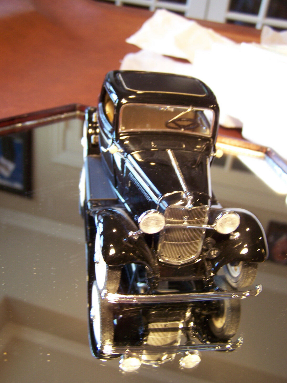 MIB FRANKLIN MINT 1932 FORD  DEUCE  WITH  ALL PAPERWORK AND BOX VERY NICE