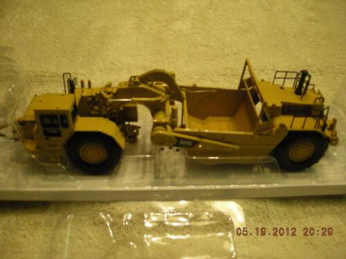 55175 Cat 657G Wheel Scraper NEW IN BOX