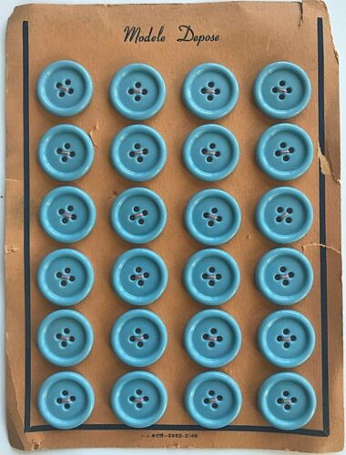 "Vintage Buttons 1940/'s 24 Light Blue Casein 3//4/"" 4-hole Buttons"