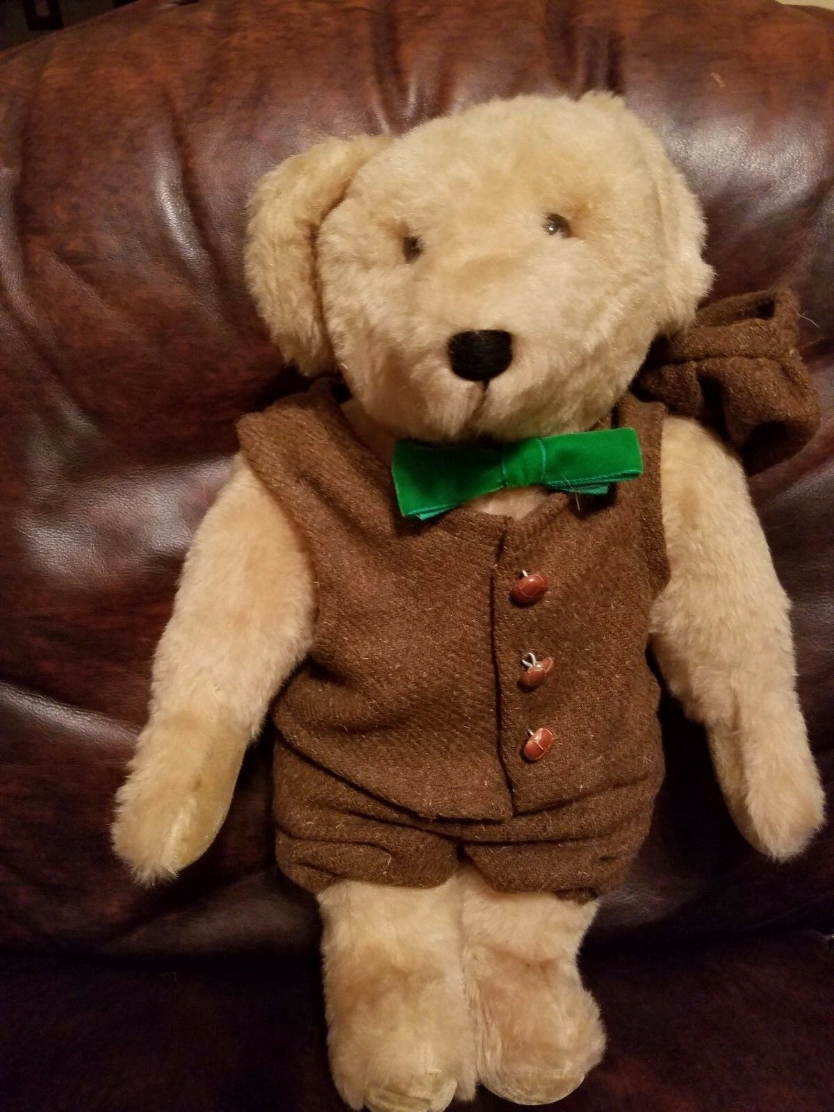 Carrousel  Danny Boy  Musical 19  Bear  Terry and Doris Michaud Handcrafted