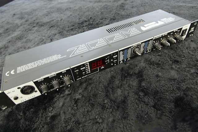 ZOOM RFX-2200 Digital Reverb Multi Effects 1U Rack Unit Tested Used