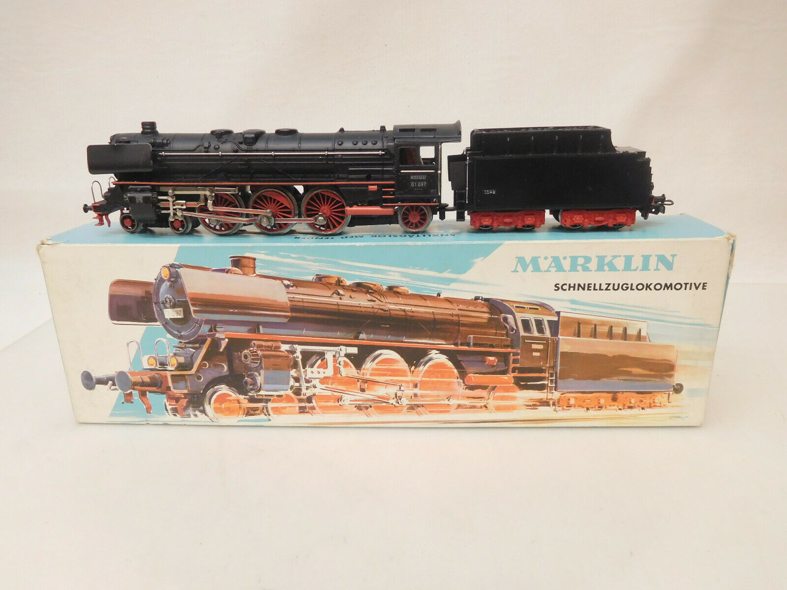 X-07902 Märklin 3048 H0 Steam Locomotive 01 097 with minimal wear