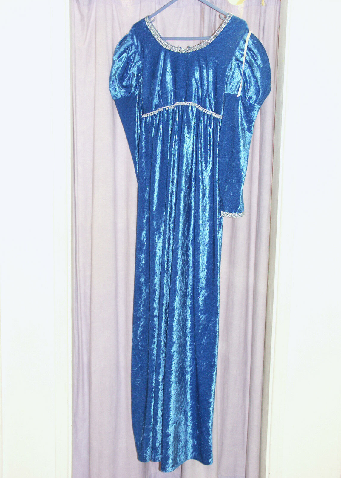 Women's Velvet Medieval Tudor Juliet Princess Hire Quality Costume UK 14 -16