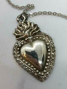Collana-cuore-ex-voto-metallo-bagno-argento-5x3-5-cm-vintage-milagros