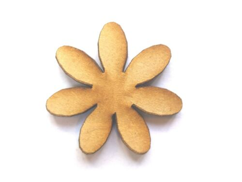 10x WOODEN FLOWER SHAPES gift tag craft card embellishment scrapbook favours