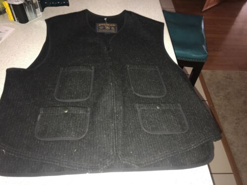 Woolrich~Mens~xl~black~wool Vest~hunting Vest