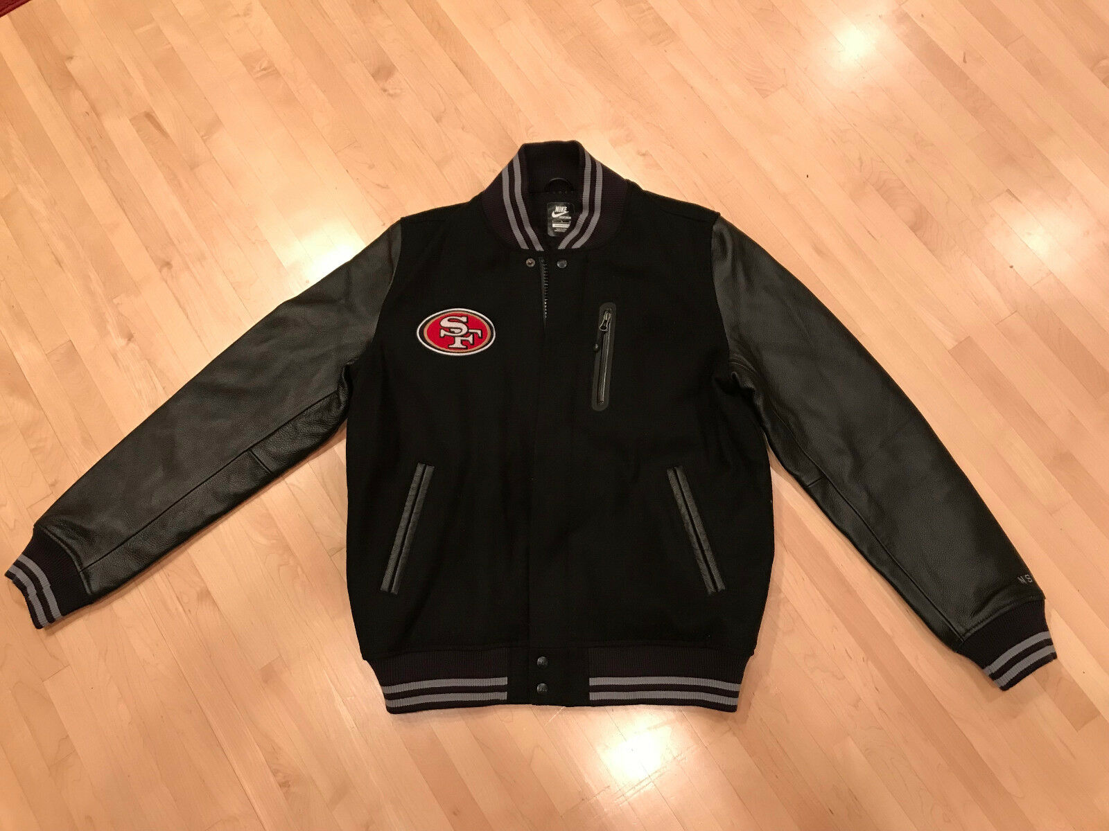 Nwot nike abbigliamento personalizzato dei san francisco 49ers distruttore / giubbotto (numero 1)