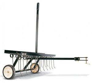 Rasenkamm-Anhaenger-Rasentraktor-MTD-Wolf-Garten-Arbeitsbreite-102cm