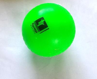 White color 1 x Wind Cricket Soft Ball Training Coaching 5.5oz Senior Practice