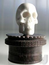 MEMENTO MORI Totenschädel aus Bein auf Biedermeier Holzsockel ~ 1820 - 1840 ...