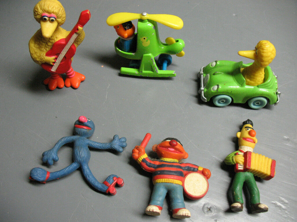 MUPPETS  SESAME STREET  CAR  HELICOPTER  BIG BIRD  6 PIECES EXCELLENT     COND.