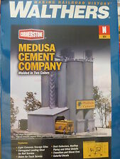 """Walthers N #933-3218 Medusa Cement Company -- Kit - 5-3/8 x 4-1/2"""""""