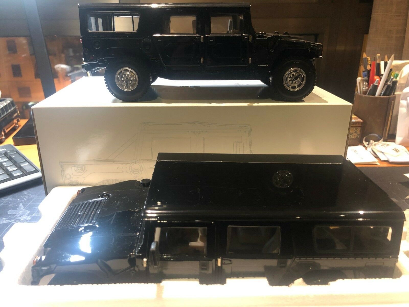 1995 Exoto AM General Humvee WagonColor  Authentic negro TDT01803