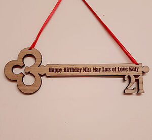 PERSONALISED-BIRTHDAY-GIFT-21ST-18TH-16TH-ENGRAVED-WOODEN-KEY-KEEPSAKE-PLAQUE
