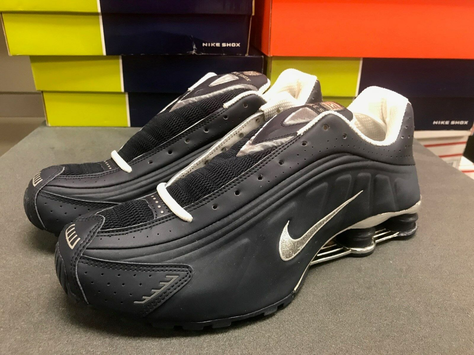 Mens Nike New, Shox R4 Premium Sneakers New, Nike Obsidian Navy Blue / Silver 302534-401 b628c0