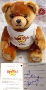 Hard-Rock-Cafe-MADRID-SPAIN-2006-Rockin-039-TEDDY-BEAR-w-Tee-Signed-PROTOTYPE-Plush