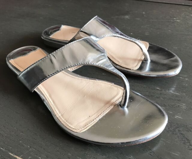 8b6ee64a3918 J.CREW Stylish metallic Silver Leather Flip-flops   slides  sandals SIZE -