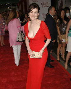 ANNE HATHAWAY 8X10 PHOTO BUSTY IN VERY REVEALING RED DRESS ...