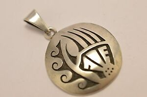 Taxco Mexico 925 Sterling Silver, Hopi-Style Bear Claw & Wave Pendant Top