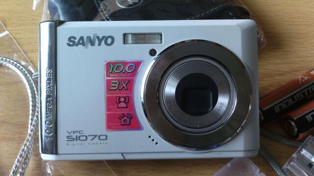 sanyo vpc s1070 10 0mp digital camera silver white ebay rh ebay co uk Sanyo 14MP Digital Camera Sanyo VPC 51415 Manual
