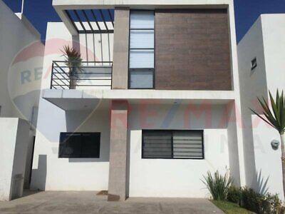 Casa en Renta en Villa de las Palmas