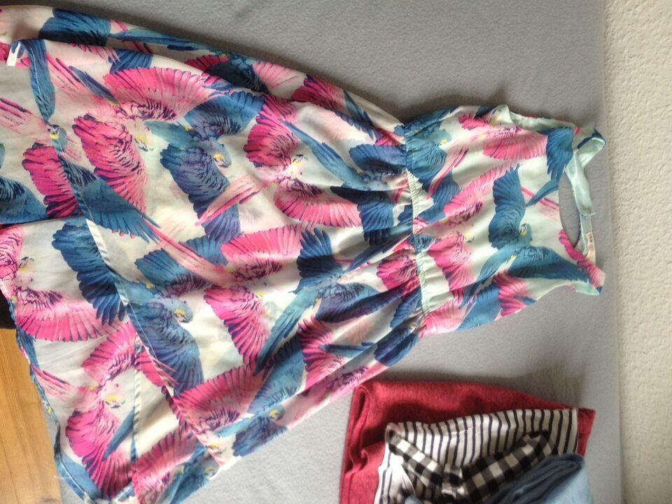 Blandet tøj, 3 kjoler, 3 skjørter