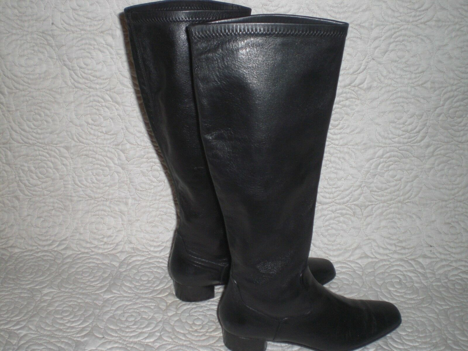 COLE HAAN  MADE IN ITALY SHINNY LEATHER BOOTS SIZE 6.5 B