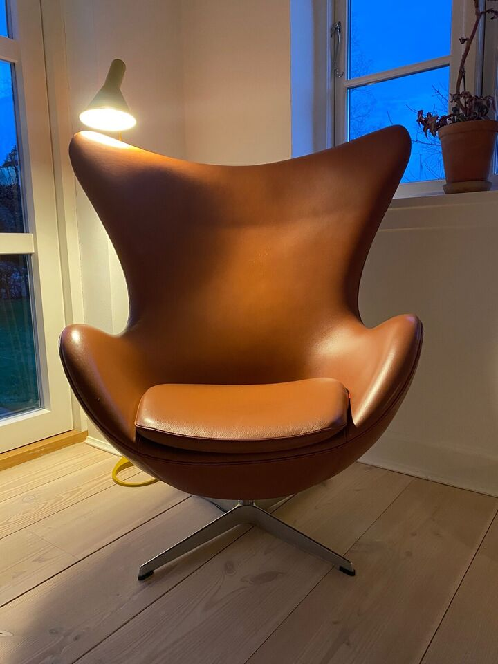 Arne Jacobsen, Ægget, Stol