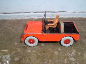 DINKY-TOYS-340-LAND-ROVER-USED-VINTAGE-NEW-DRIVER-SCREEN-TYRES-STEERING-WHEEL