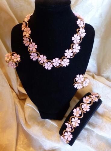 Vintage Rhinestone & Pink Flowers TRIFARI Parure-Bracelet, Necklace & Earrings