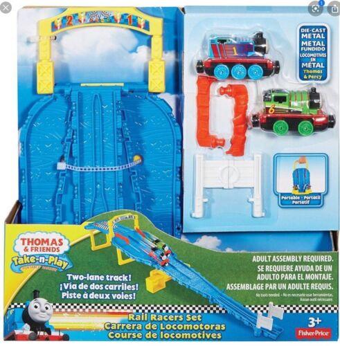 Thomas /& Friends Take Play Rail Racers Set Inc Thomas /& Percy Engines Entièrement neuf dans sa boîte vente!