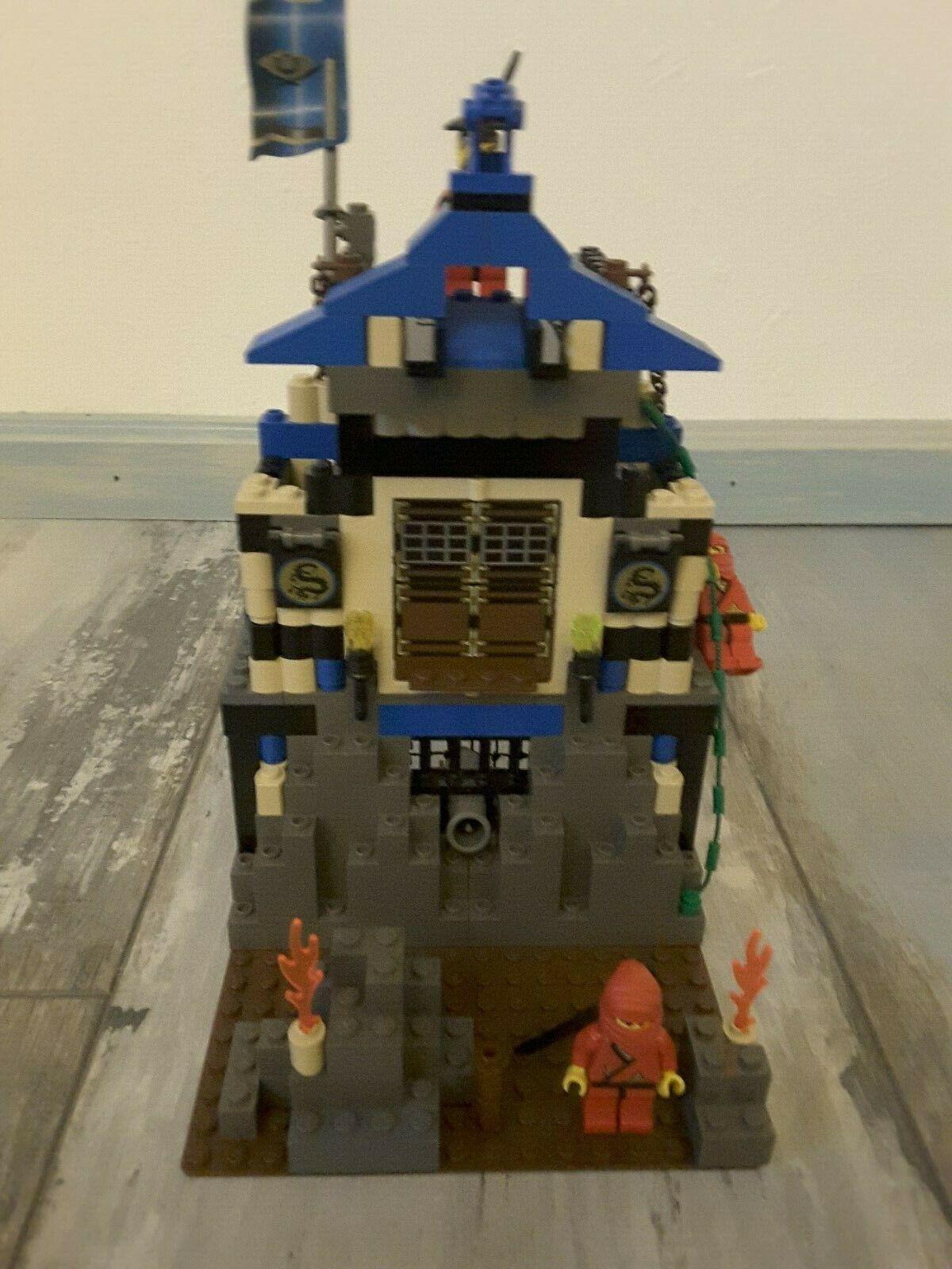 Lego 3052 Ninja Ninja's Fire Fortress Set