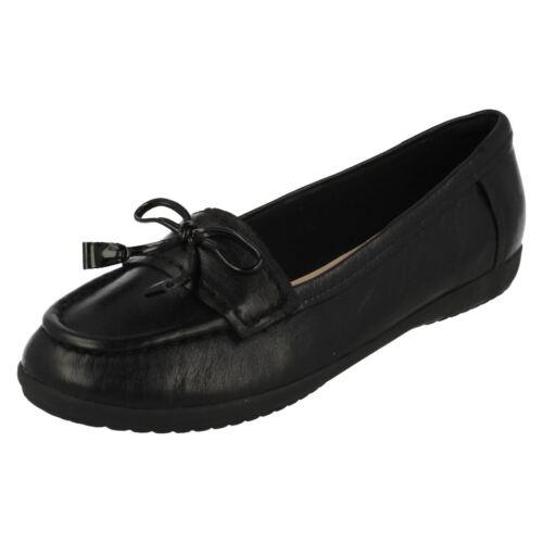 Ladies Clarks Feya Bloom Moccasin Style Flat Shoes