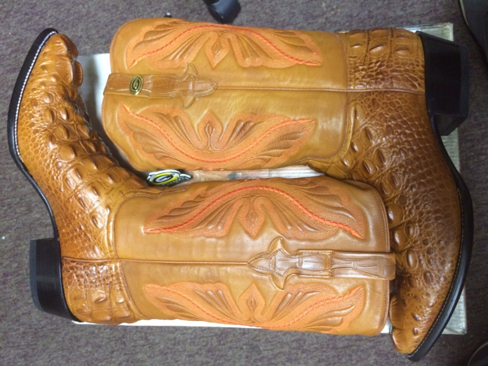 Guardado's alligator imitation cowboy boots