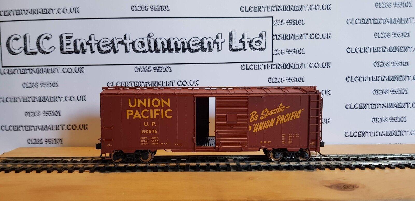 Marklin Trix 24900 RP 25 Union Pacific Freight Car AMAZING DETAILED MODEL HO