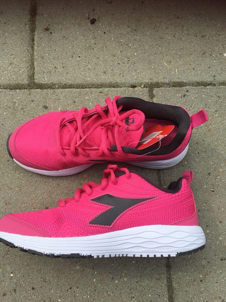 Løbesko, Sneakers, motions sko