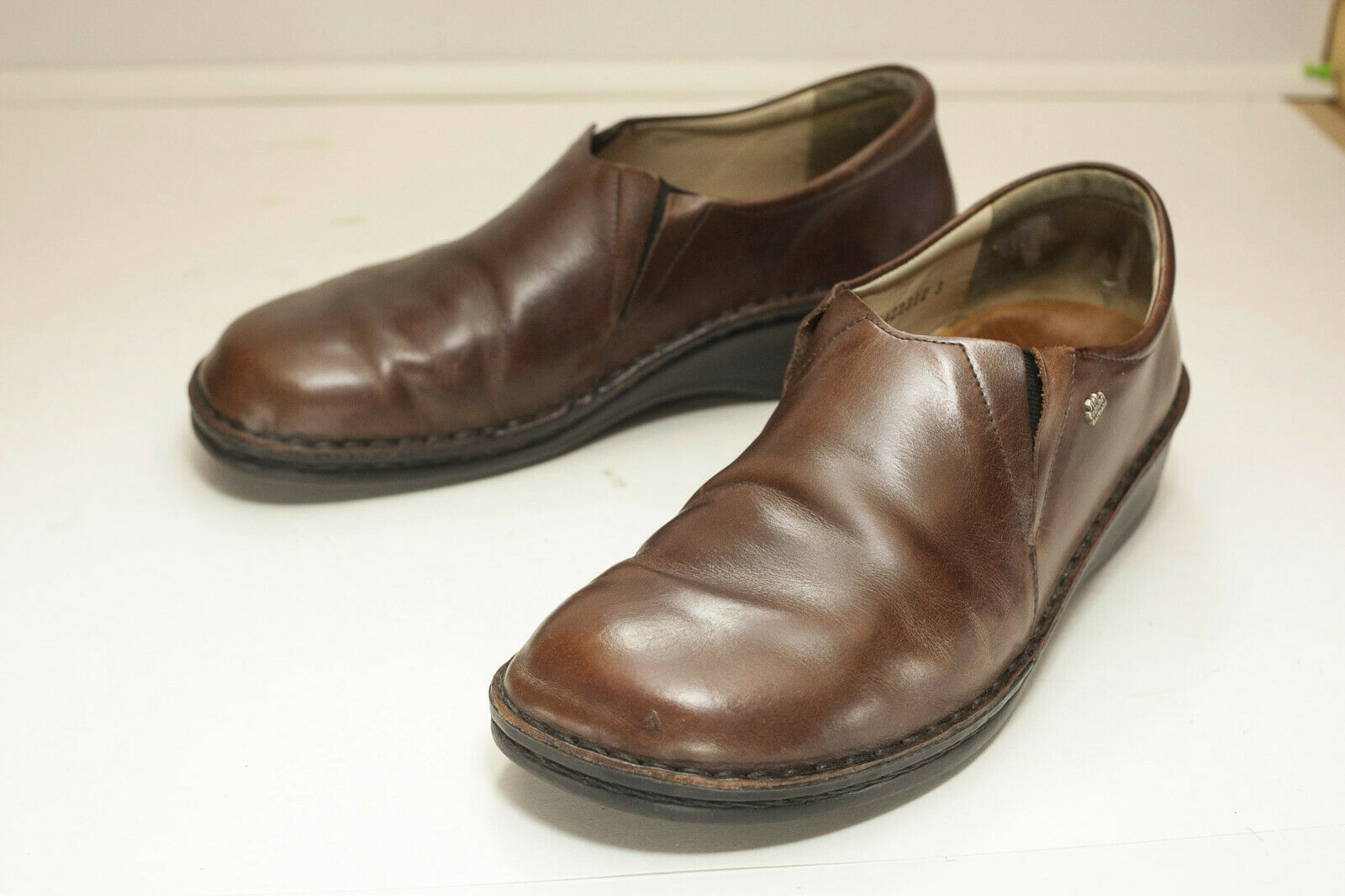 Finn Comfort US 9 to 9.5 Brown Newport Slip On Women's
