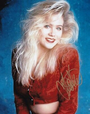 Christina Applegate Signed 8x10 Autograph Photo W/ Coa Entertainment Memorabilia To Produce An Effect Toward Clear Vision