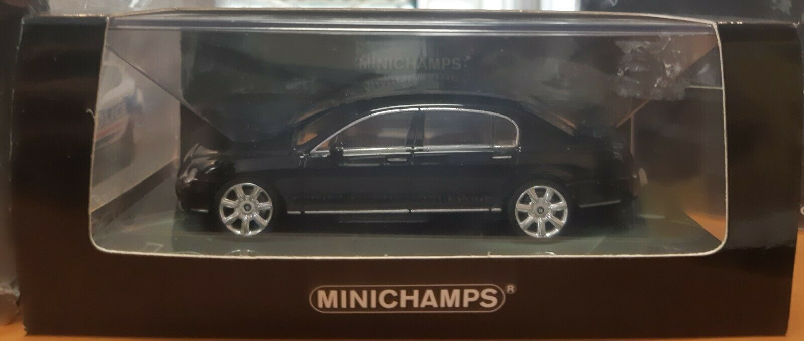Minichamps Bentley Continental Flying Spur 1 43
